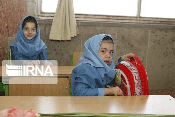 دانش آموزان معلول مازندران برای رفتن به مدرسه مشکل دارند