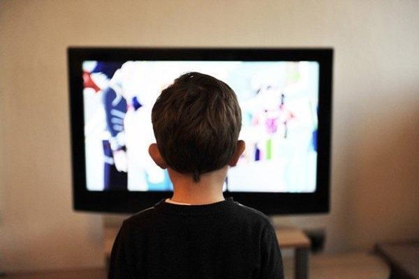 مضرات تماشای تلویزیون برای بچه ها زیر 4 سال، بروز اختلالات رفتاری